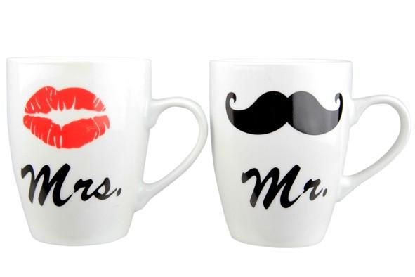 """TASSENSET """"MR. & MRS."""" MIT BART UND KUSSMUND Becher"""